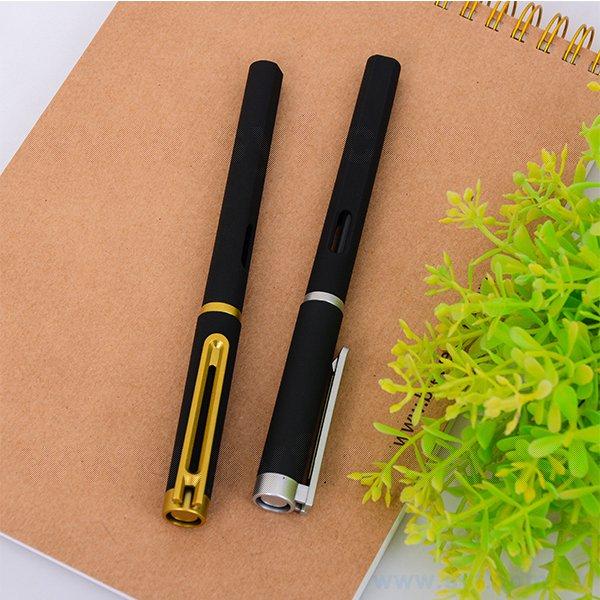 霧面筆蓋摟空鋼珠筆